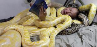 В обнимку со змеями