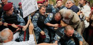 Арест Тимошенко: драка, «Беркут», автозак