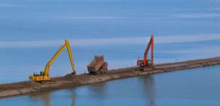 Керчь, море, экскаватор: как строится мост