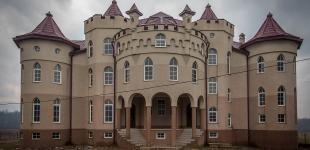 Дворцы закарпатского села Нижняя Апша