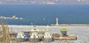 В Одессе льды сковали корабли Военно-морских сил Украины
