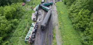 Залізнична аварія на Хмельниччині: зіткнулися пасажирський та вантажний поїзди