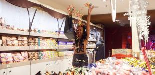 FEMEN устроили в магазине Roshen Черную пятницу