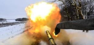 Вогонь та сніг: яскраві фото з танкових навчань