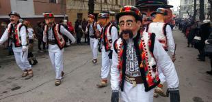 Фестиваль Маланок з індіанцями та клоунами