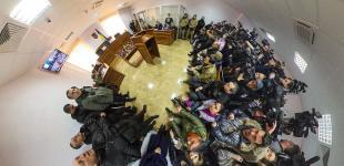 Суд над Савченко: то скучно, то весело