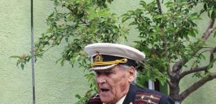 В гостях у справжнього ветерана: чиновники привітали легендарного морпіха зі сторіччям