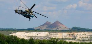 Навчання армійської авіації на Донбасі: практичне авіанаведення екіпажів Мі-24 по умовних цілях противника