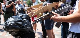 «Забуття – гірше зради»: у Києві провели імітацію «параду полонених»
