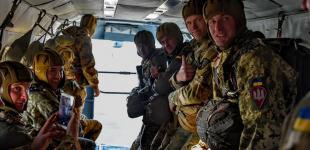 Першоразники та досвідчені десантники 95-ки знову піднялися в небо