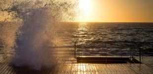 Как одесситы у моря рассвет встречают: фотозарисовка