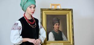 У художньому музеї Чернігова «оживили» портрети модниць минулих століть