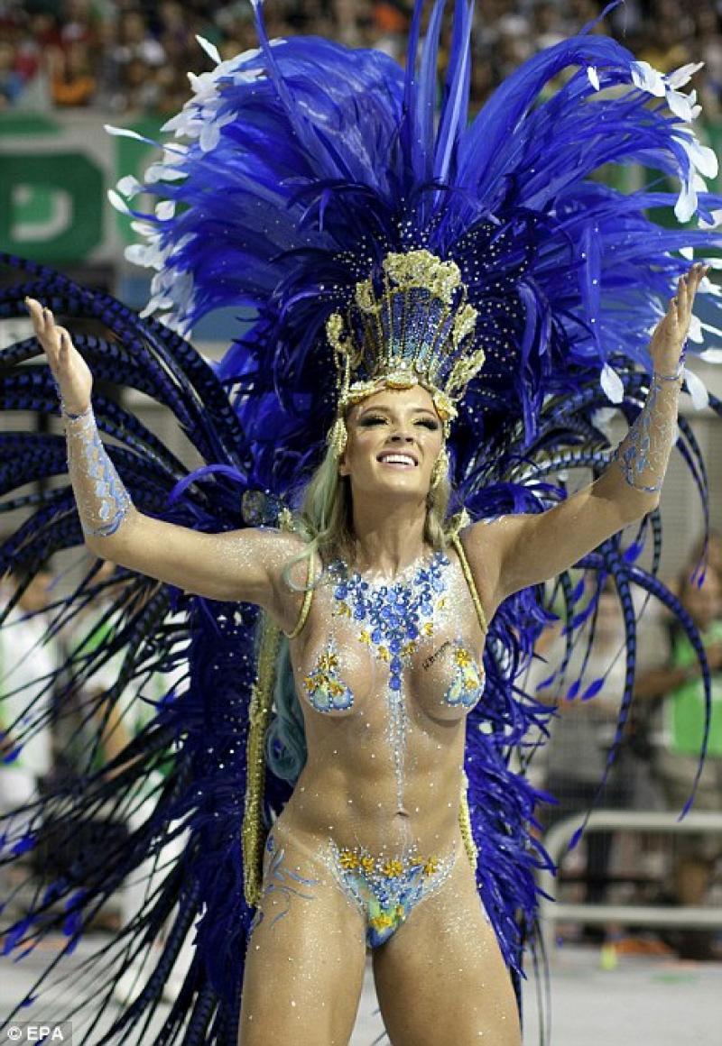 Трусики на бразильском карнавале 7 фотография