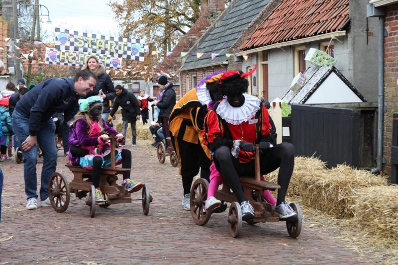 17 рождество празднуется 5 декабря в нидерландах и известно как день, когда синтерклаас