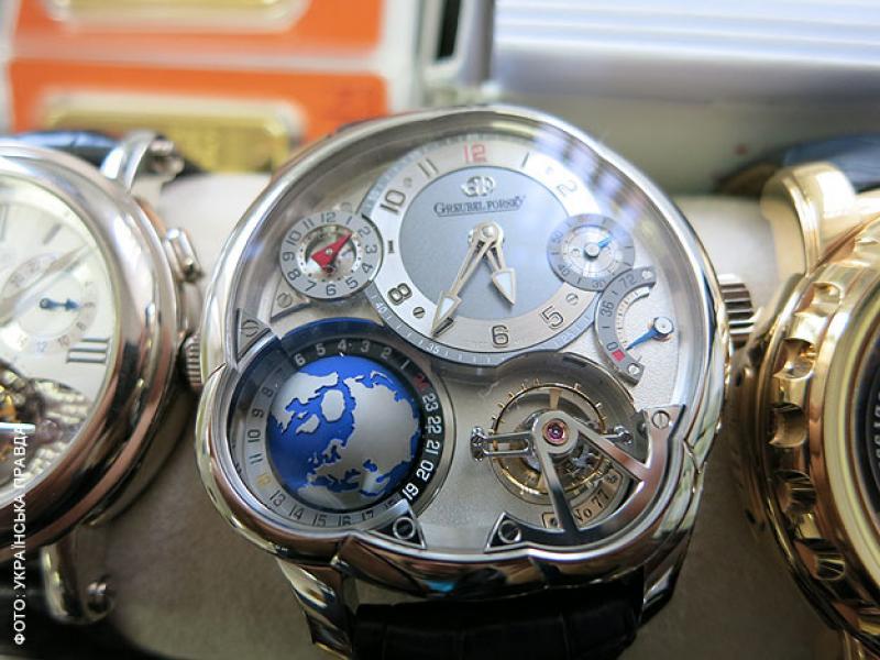 Новый Регион: Беглый украинский министр Ставицкий коллекционировал часы и золотые слитки (ФОТО