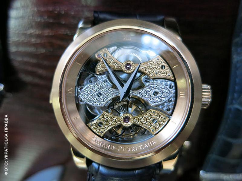 Беглый украинский министр Ставицкий коллекционировал часы и золотые слитки (ФОТО