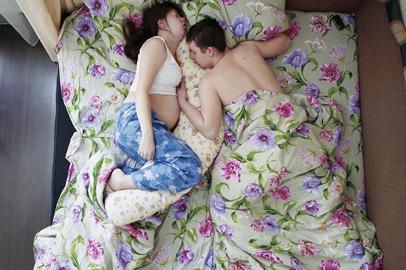 голая теща спит фото