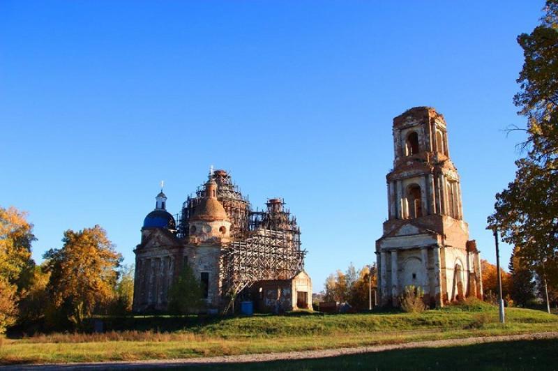 15 культових споруд, які Україна може втратити: церкви, костели, синагоги