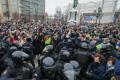 СМИ: На протесты в РФ вышли не менее 110 тысяч человек, задержали почти 3,3 тысячи