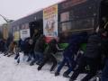 Харьков завалило снегом: сугробы до нескольких метров