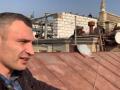 Кличко на крыше заснял демонтаж скандальной надстройки на Майдане