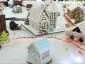 Глазурь, марципаны и конфеты: в Черновцах построили городок из сладостей