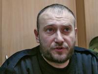 Ярош призывает власть немедленно вооружить украинцев