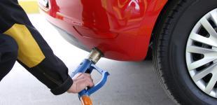 Автогаз на заправках стоит уже 15 гривен за литр