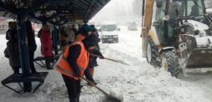 Из-за снегопада в Киеве рекомендовали отменить продуктовые ярмарки