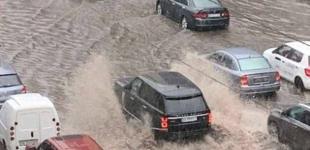Ливень затопил улицы Киева