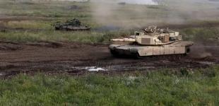 В Сети показали учения танков Abrams и Т-72