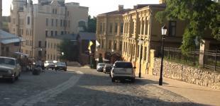 Транзитный проезд по Андреевскому спуску запретили