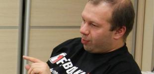 Денис Олейников: Что еще должно случиться, чтобы люди начали протестовать, а не сидеть в Facebook?