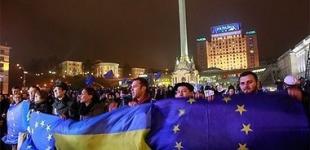 На Майдане ночует 13 тысяч митингующих