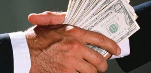 ООН: В мире каждый год дают $1 трлн взяток