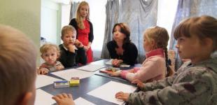 Душевные травмы войны: на Донбасс отправятся кризисные психологи Гуманитарного штаба Ахметова