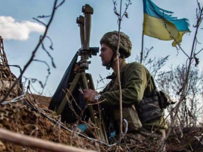 «Жабы», «Гвоздики» и «Рапира»: РФ держит на линии отвода гаубицы, пушки и танки