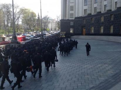 Обманутые инвесторы новостроек вышли на митинг: В центре Киева было перекрыто движение