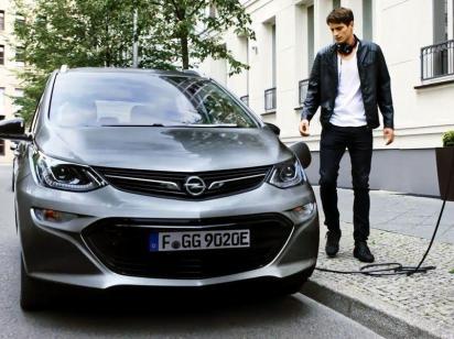 Электромобили станут дешевле, чем авто на бензине