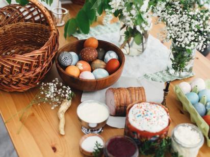 К Пасхе украинцам бесплатно доставят куличи - Кабмин