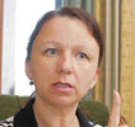 Почему украинцы отдают аферистам свои квартиры и деньги