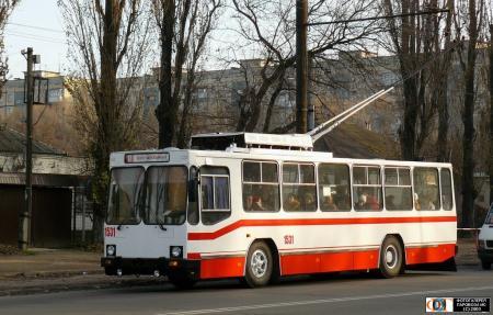 В Днепре срочно ищут водителей троллейбусов и трамваев