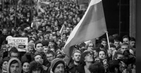 Большинство россиян считает, что власти лгут о положении дел в стране