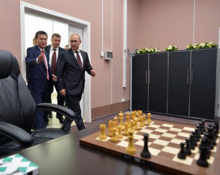 Гибридные шахматы, или Санкции против ферзя