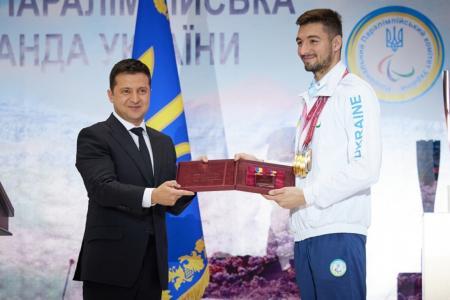 Президент присвоїв звання Героя України паралімпійцю Максиму Крипаку