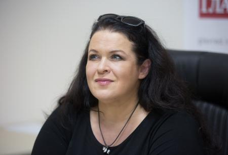 На киевском вокзале цыгане напали на известную актрису