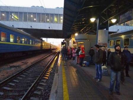 Железнодорожное сообщение в Украине заработает раньше, чем планировалось