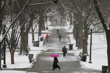 С понедельника в Украине – мокрый снег и гололедица