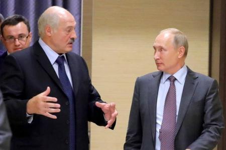 Або приєднуйся, або плати по повній: про агресивне поглинання Білорусі Росією