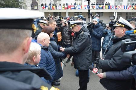 Двум пленным морякам присвоили офицерские звания